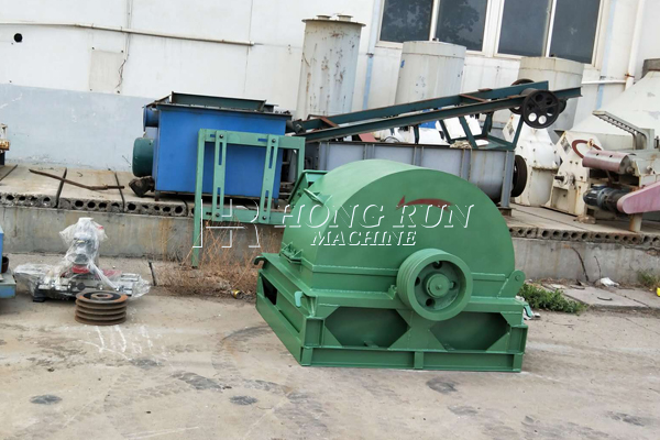 wood chip machine